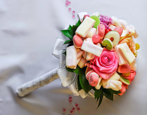 Свадебный букет из конфет своими руками