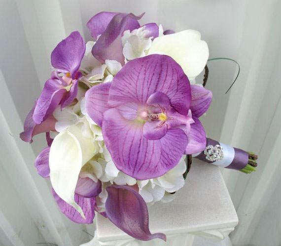 svadebnye-bukety-iz-orhidej-23