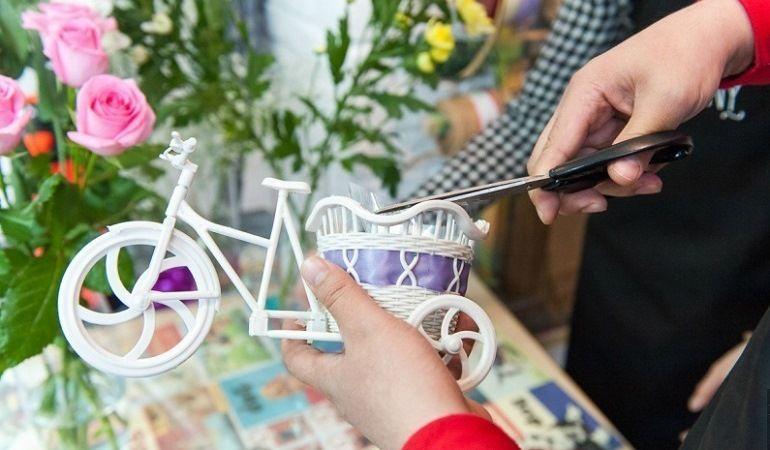 Декоративное кашпо-велосипед