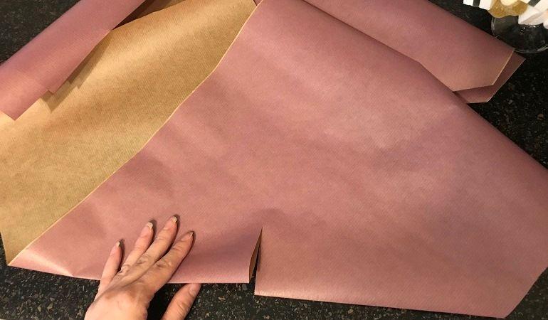 Надрезаем сложенные листы