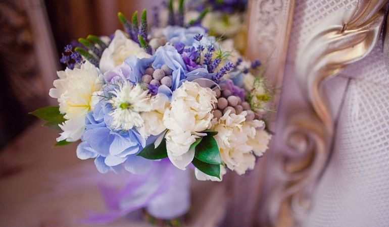Свадебный нежный цветочный аксессуар