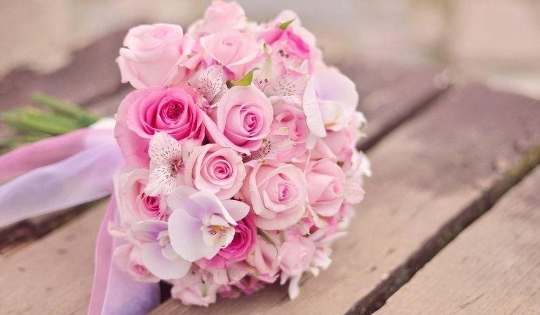 Розы в свадебном букете