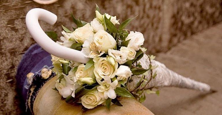 Оригинальная композиция букета невесты
