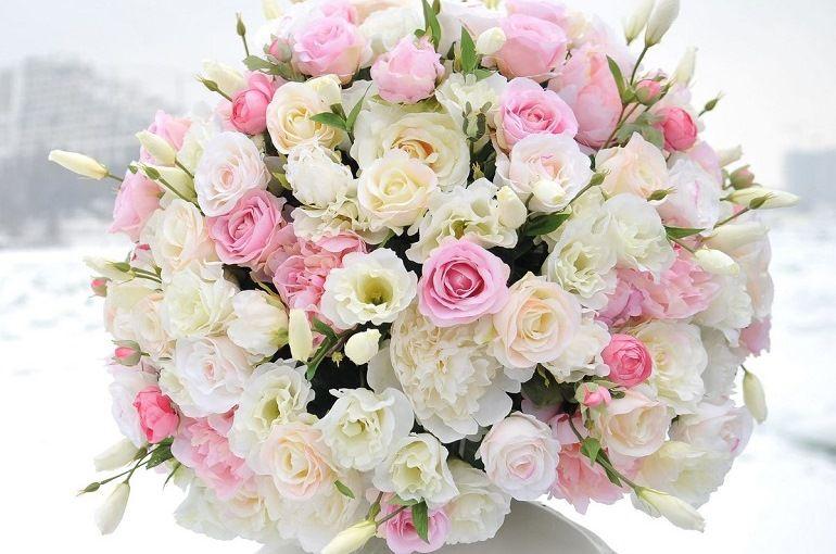 Свадебный букет из кустовых роз