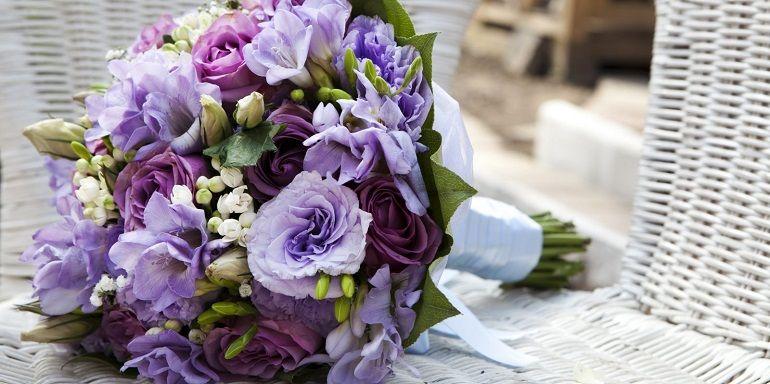 Свадебный букет из сиреневых цветов