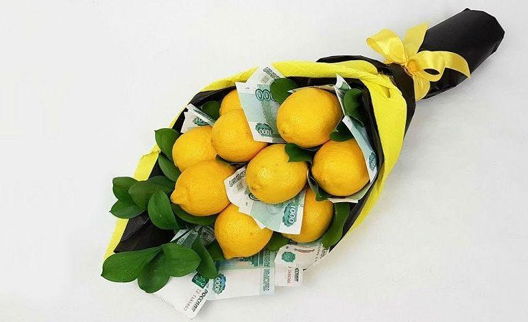 Букет из купюр и лимонов