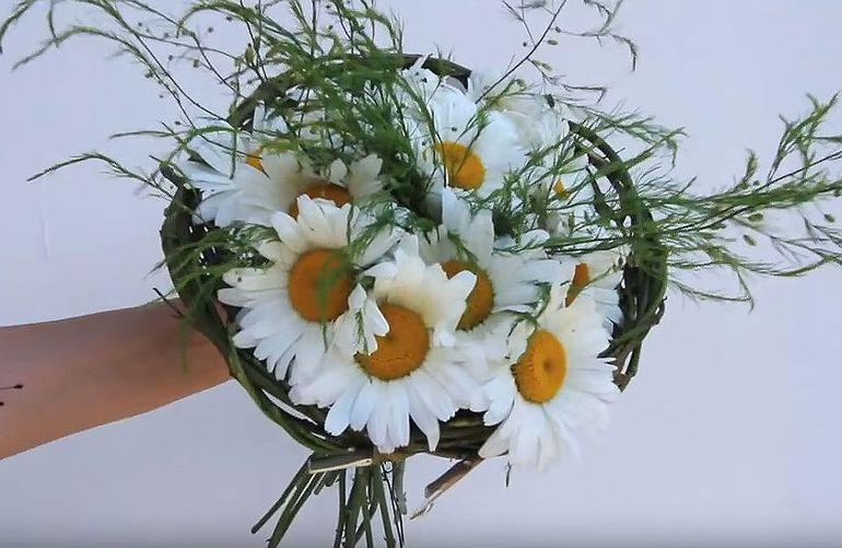 Мастер-класс по изготовлению букетов цветов из полевых цветов