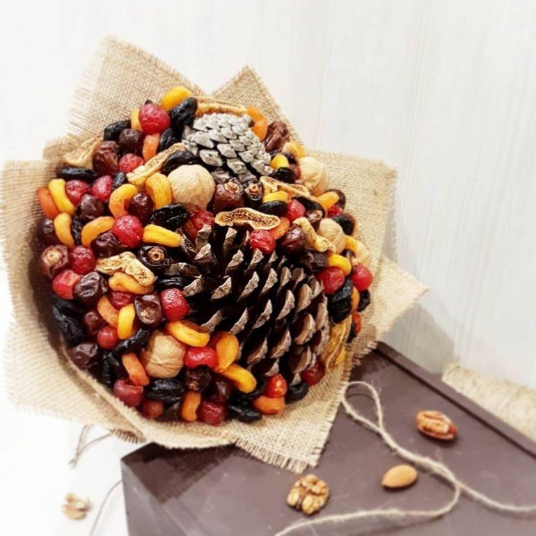 Новогодние букеты из сухофруктов - преимущества