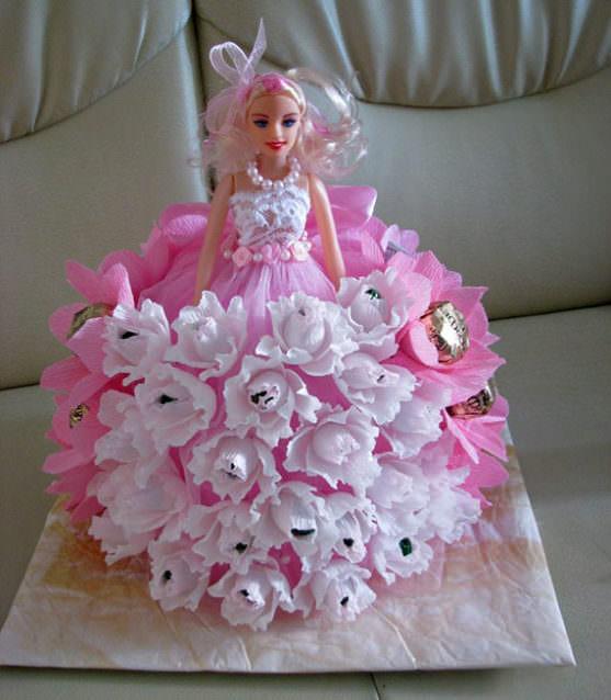 Букеты из конфет фото с куклами