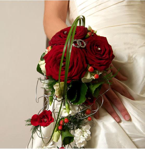 svadebnyj-buket-i-stil-svadebnogo-platya-04