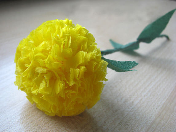 Как сделать цветы из салфеток - одуванчик