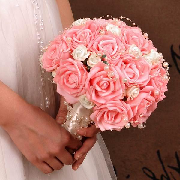 Формы свадебных букетов из роз