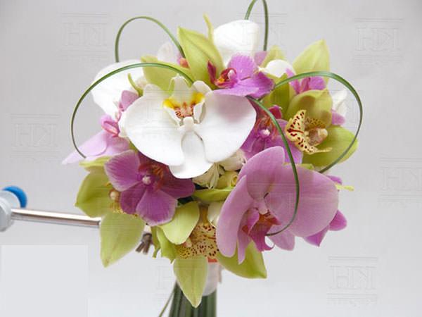 Преимущества букетов невесты из орхидей