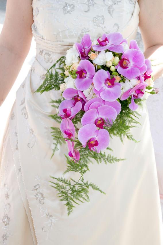 Свадебные букеты из розовых орхидей