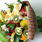 Как сделать фруктовые букеты с цветами