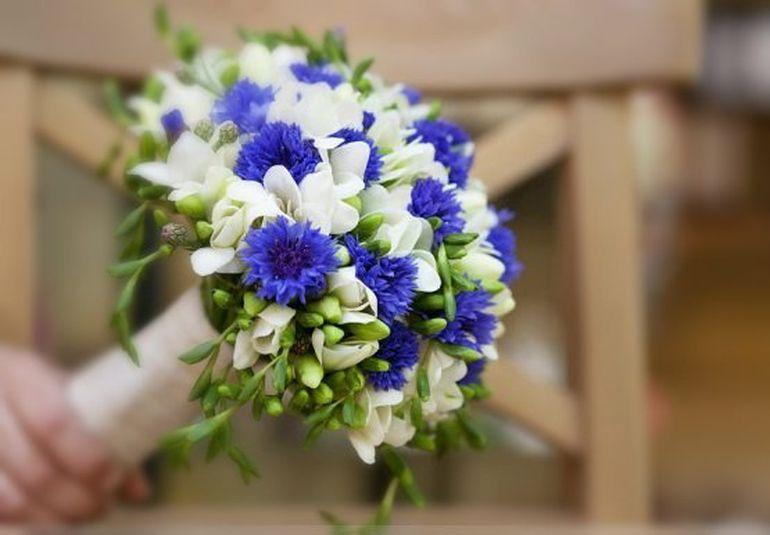 Букет невесты из васильков МК