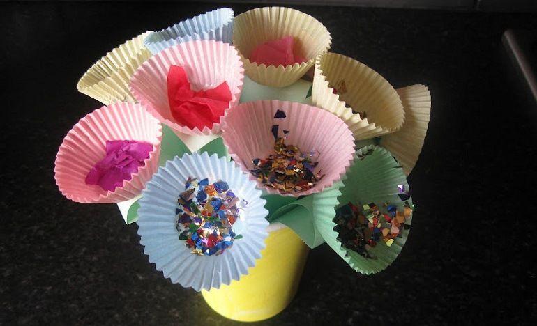 Букет из бумажных форм для выпечки кексов