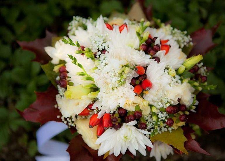 Хризантемы в букете невесты