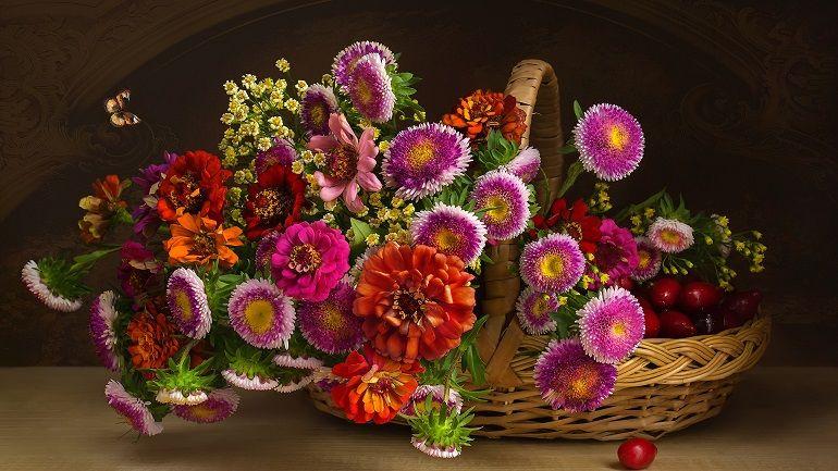 Интересная цветочная композиция