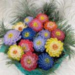 Поделки для детей: цветы из шишек, пошаговые мастер-классы