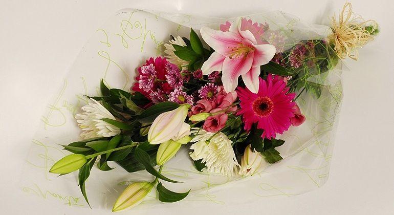 Расцветки букетов из лилий и хризантем