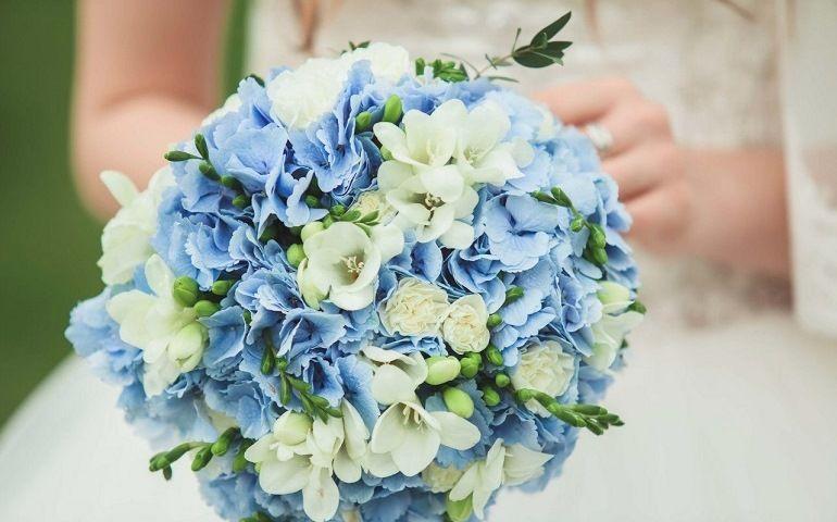 Гортензии в букете невесты