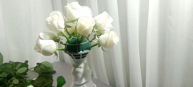 Розы в портбукетнице