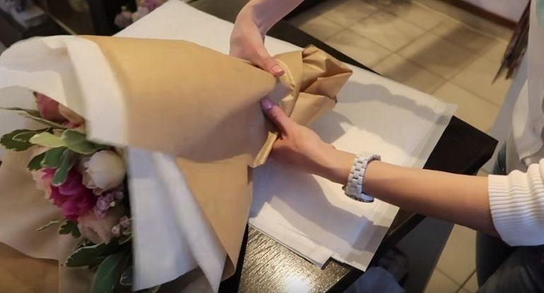 Смять крафт-бумагу
