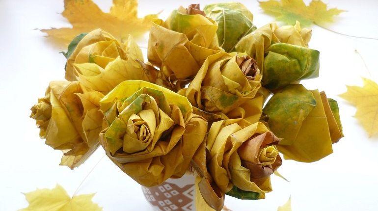 Букет цветов из осенних листьев