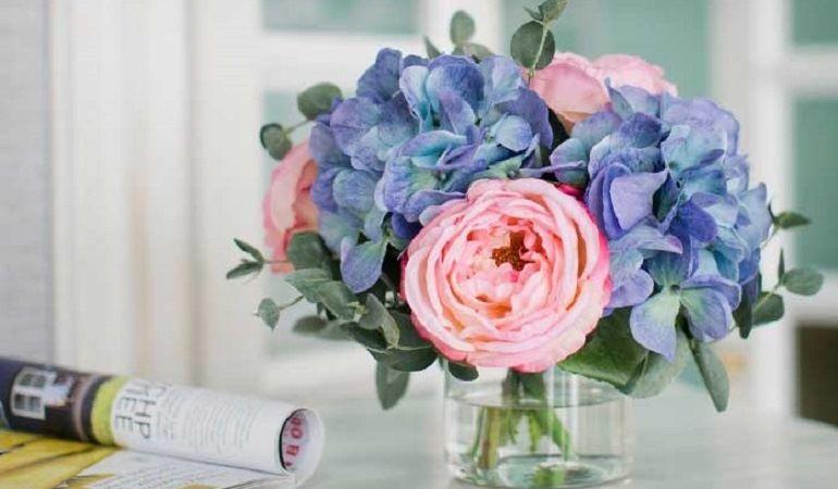 Контрастные цветочные композиции