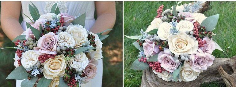 Букет невесты из роз и ягод