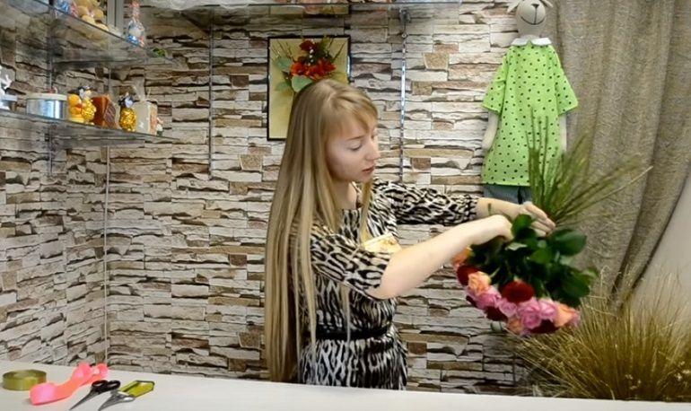 Фиксация стеблей роз