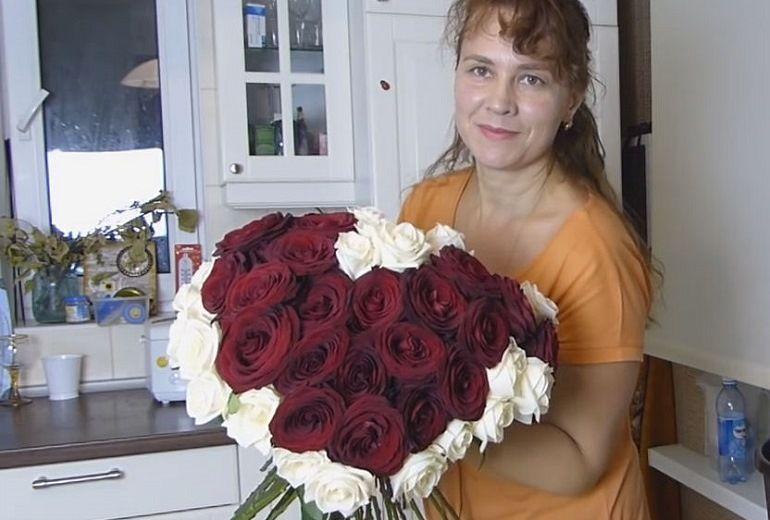 Большой букет-сердце из роз