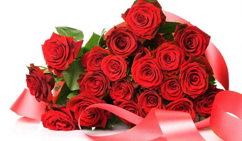 Кому и как дарить розы