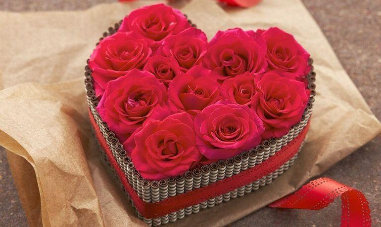 Букет из роз сердечком
