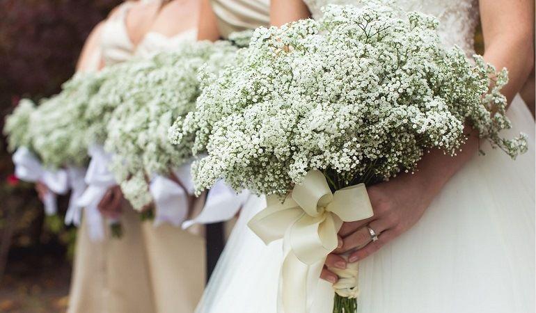 Букет невесты с гипсофилой