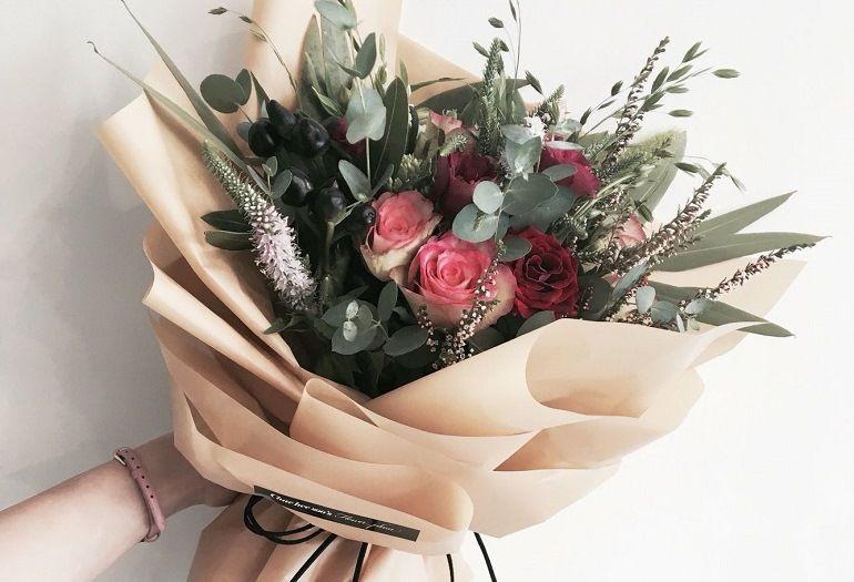Как красиво упаковать букет цветов