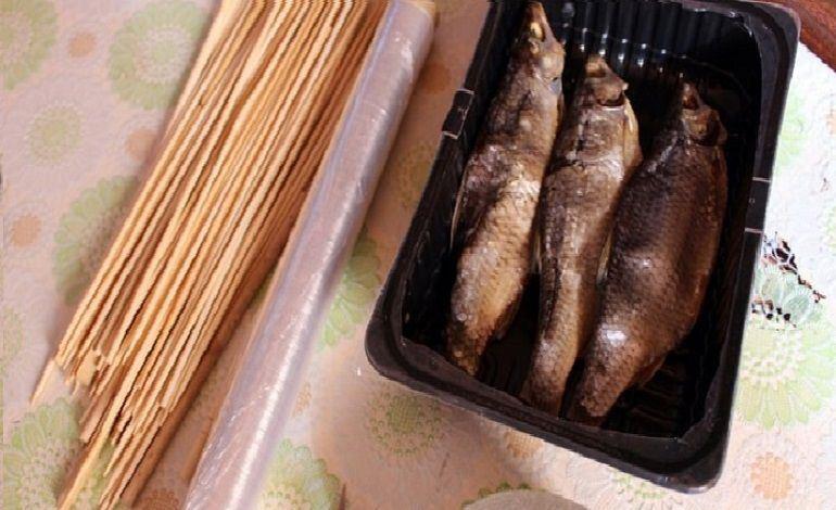 Рыба в пищевой пленке