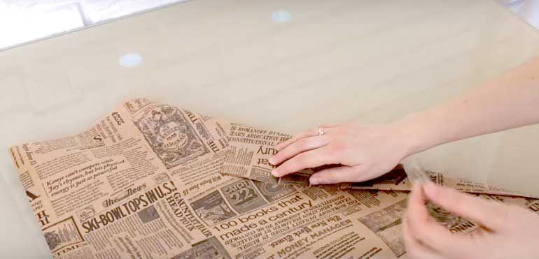 Крафт-бумага с газетным принтом