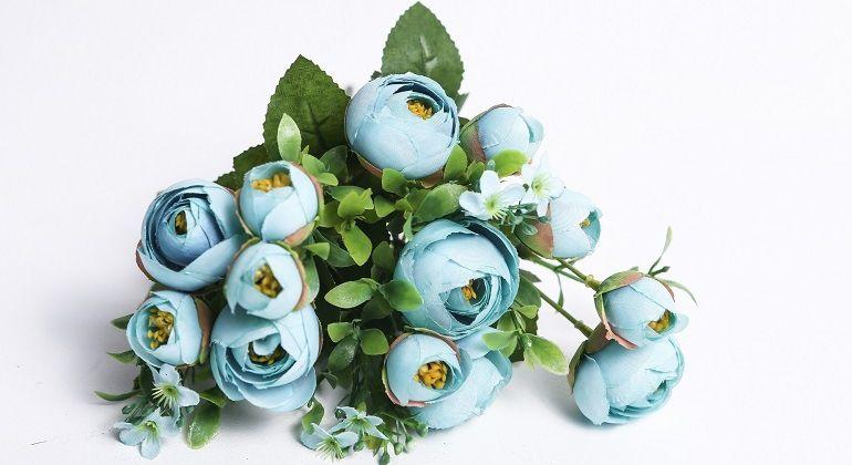 Бирюзовые цветы