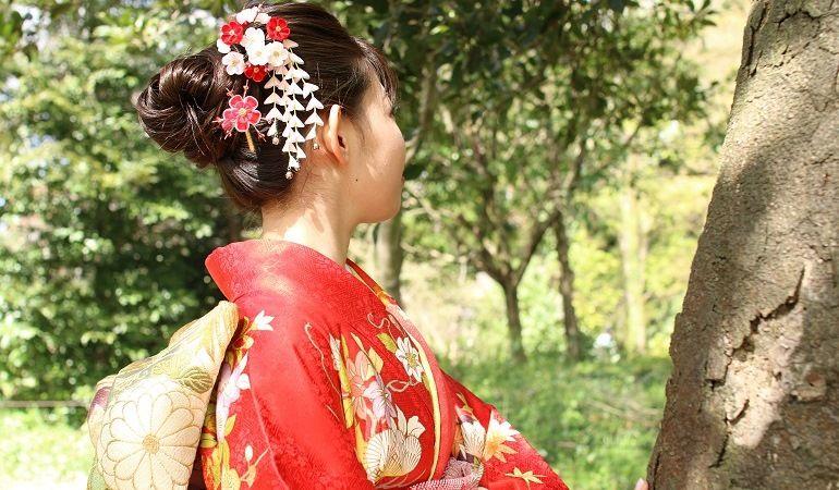 Канзаши в прическе гейши