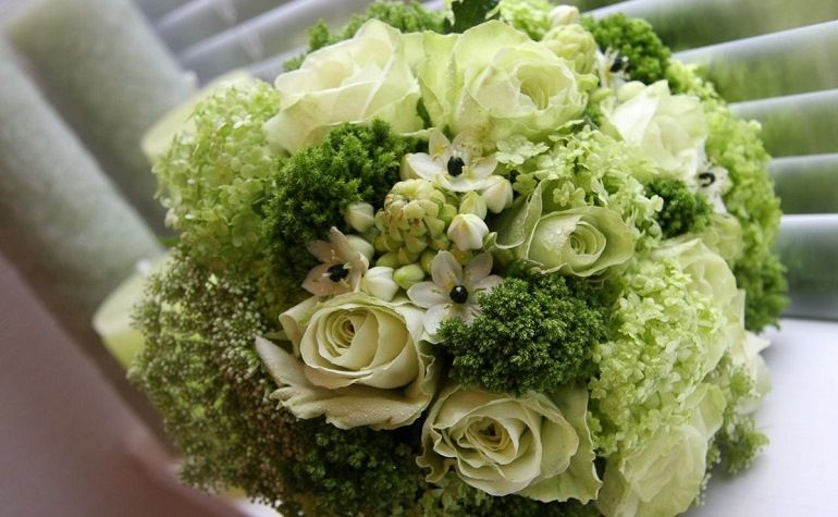 Букет невесты из зеленых цветов