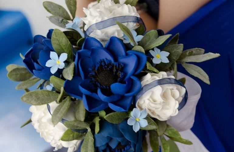 Свадебный букет к синему платью