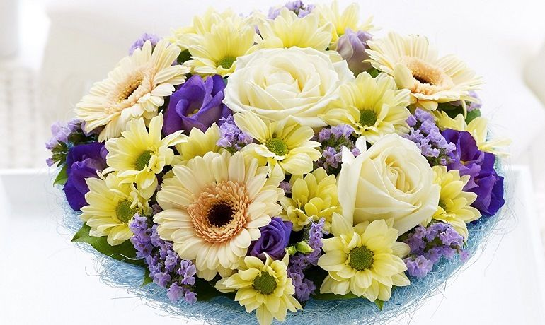 Как сочетать цветы в букете