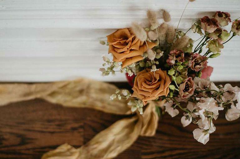 Свадебный букет в бежевых тонах