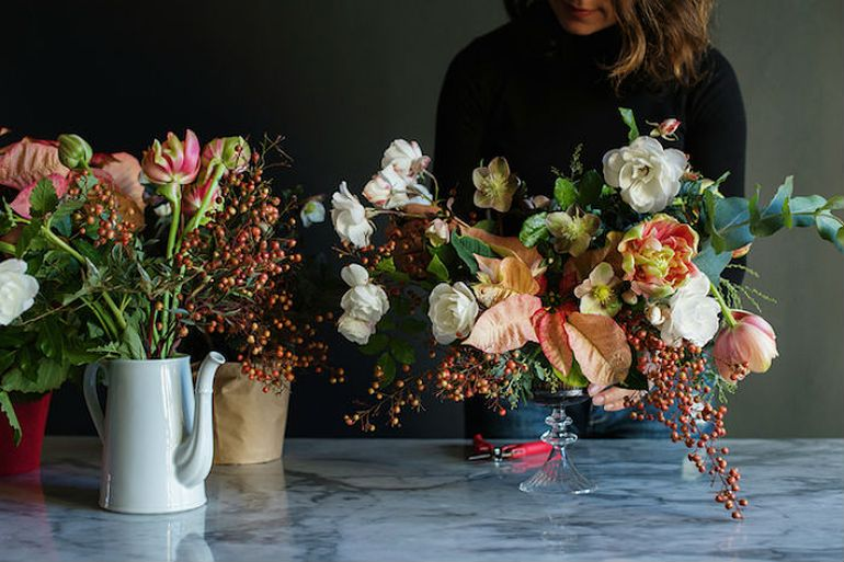 Сборка букета из тюльпанов в свободном стиле