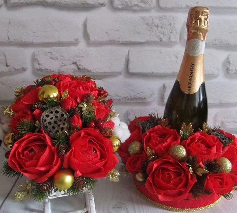 Новогодний букет из конфет и шампанского