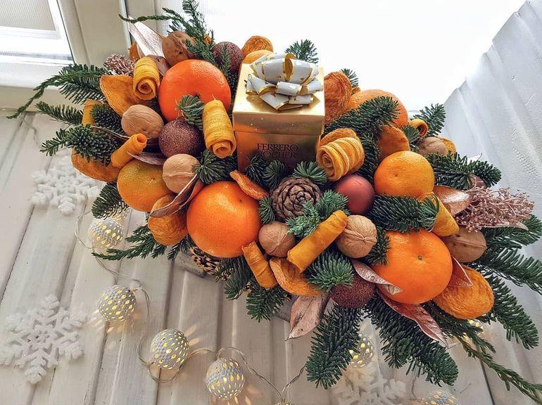 Новогодние букеты из фруктов
