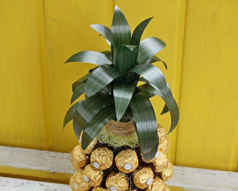 Мастер-класс по сборке новогоднего букета из шампанского в виде ананаса