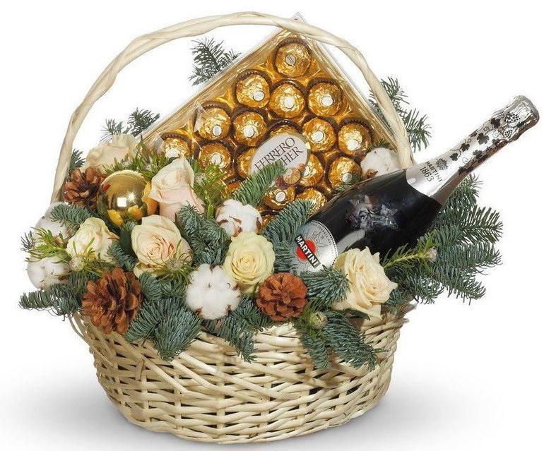Новогодний букет из шампанского с шоколадом